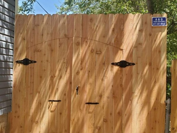 privacy fence with double gates